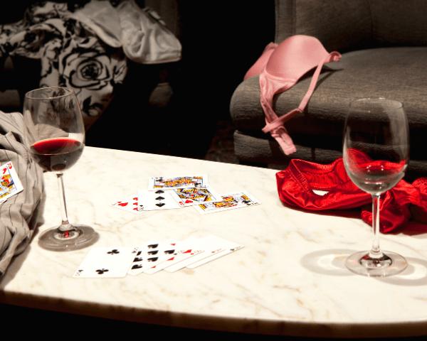 ¿Cómo se juega al strip póker?